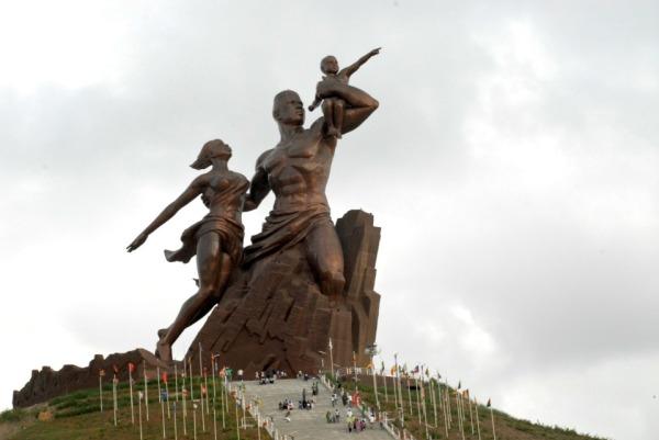 le_monument_de_la_renaissance_africaine.